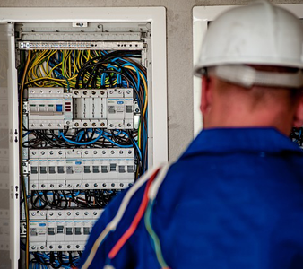 Things To Consider When Hiring Electrical Contractors